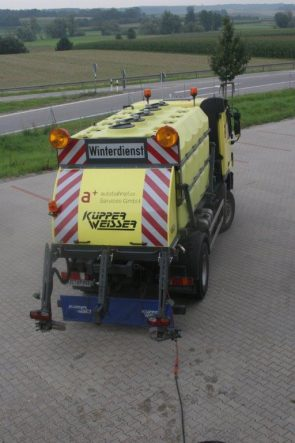 Brine spraying equipment