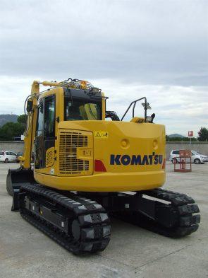 Komatsu short tailswing excavator