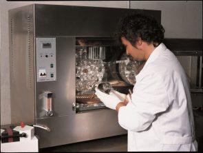 Laboratory-tailored solutions bitumen